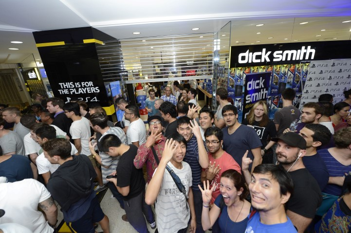 PlayStation 4 Launch queue at Dick Smith, Sydney