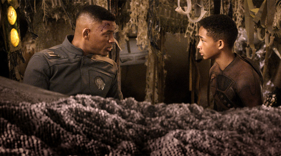 Will-Smith-and-Jaden-Smith-in-After-Earth-2013-Movie-Image
