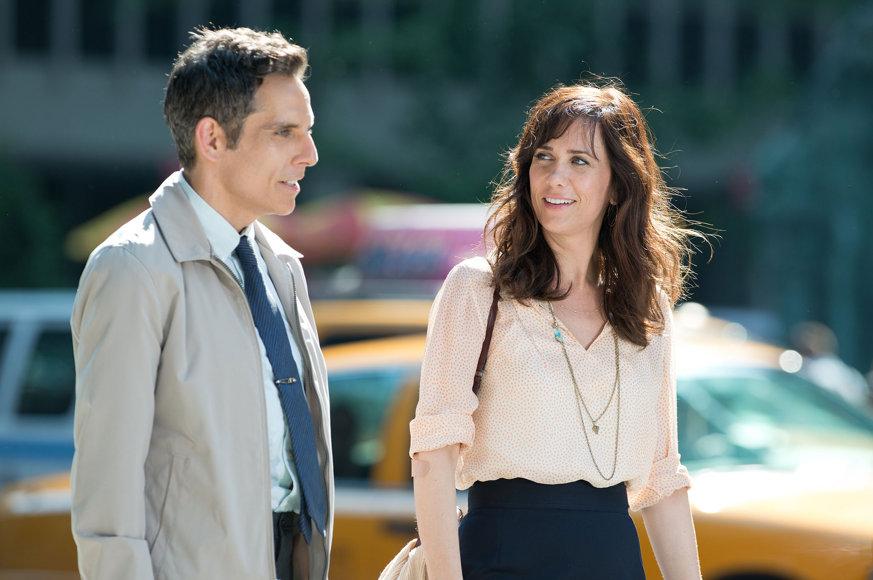 Ben-Stiller-and-Kirsten-Wiig-in-The-Secret-Life-of-Walter-Mitty-2013-Movie-Image