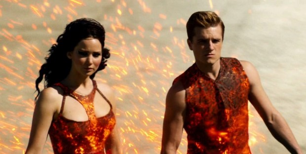 jennifer-lawrence-on-fire-in-new-hunger-games-catching-fire-trailer (Custom)
