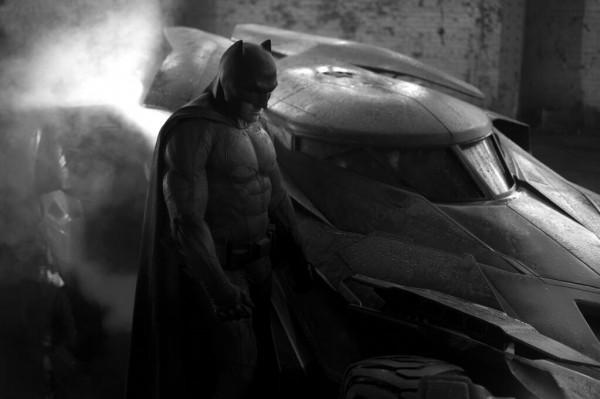 batman-and-batmobile-600x399