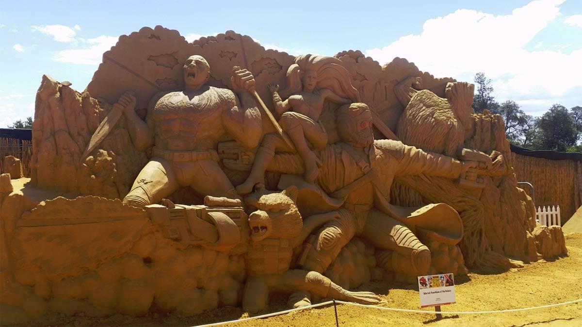 sandsculptingaustraliafriendsfoesandsuperheroes08