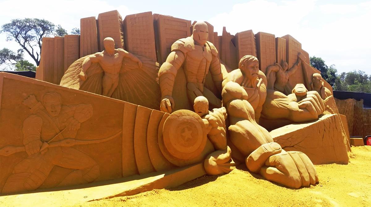 sandsculptingaustraliafriendsfoesandsuperheroes09