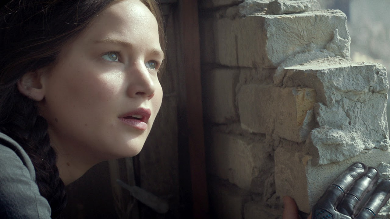 The-Hunger-Games-Mockingjay-Part-1-Katniss-4