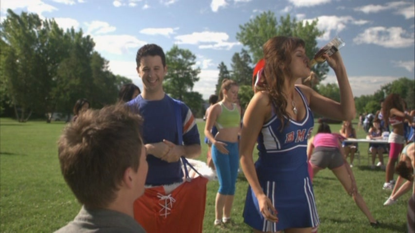 BMS-Season-1-Making-the-Squad-The-Cheerleaders-of-BMS-blue-mountain-state-16496147-853-480