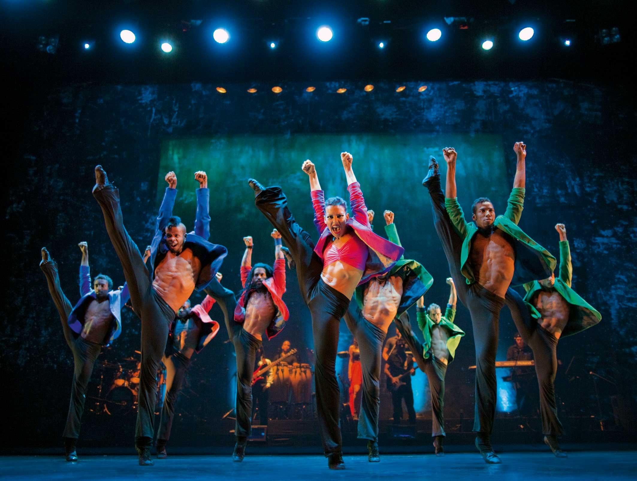 ballet-revolucion-special-03-credit-guido-ohlenbostel