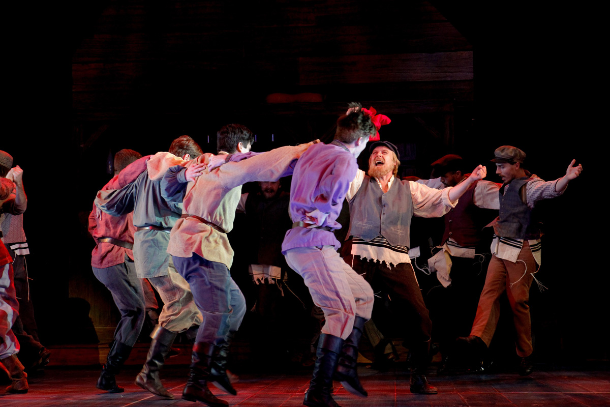 Fiddler-on-the-Roof-Aust-Production-06-PIC-CREDIT-JEFF-BUSBY
