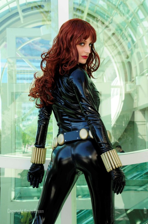 abby-dark-star-as-black-widow-photo-by-kevin-green
