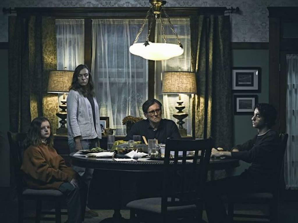 hereditary-movie-happy family dinners